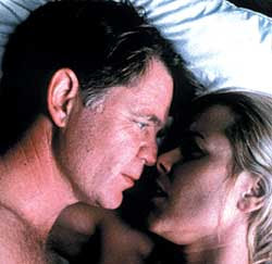 ONSCREEN SEX William H. Macy and Maria Bello - The Cooler