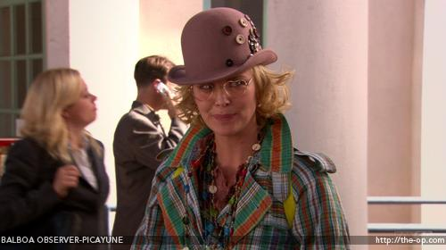 "When Charlize Theron guest-starred on ""Arrested Development"" for 5 episodes,"