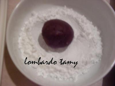 ghrieba au cacao  et noix en poudre  (teste) SDC16884