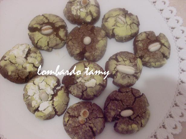 ghrieba au cacao  et noix en poudre  (teste) SDC16941