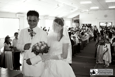 wedding pictures of Elvis and Minie-click to view