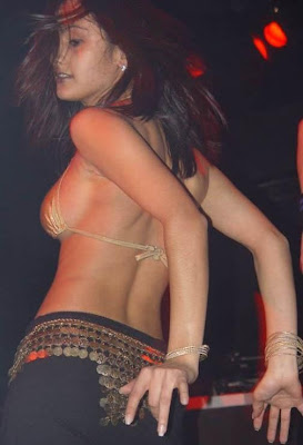 Hot Bikini 2011: Aunty and girl poses, tights, in small cloths,