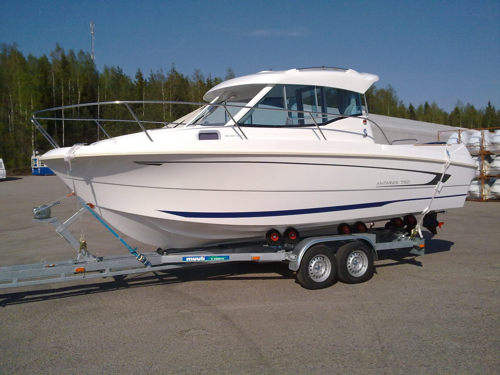 Lake saimaa fishing travels new charter fishing boat for Lake fishing boats