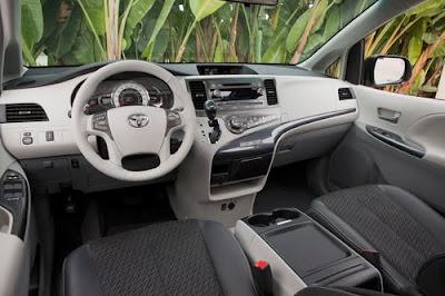 2011 Toyota Sienna 2