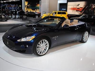 2010 Maserati GranTurismo Convertible  with Chrysler
