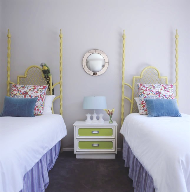 how do i love thee two cute twin beds