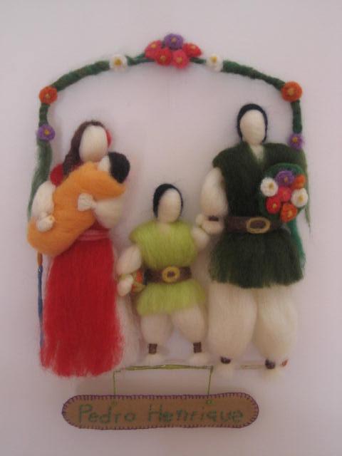 Decoração para Porta de Maternidade, em lã cardada.