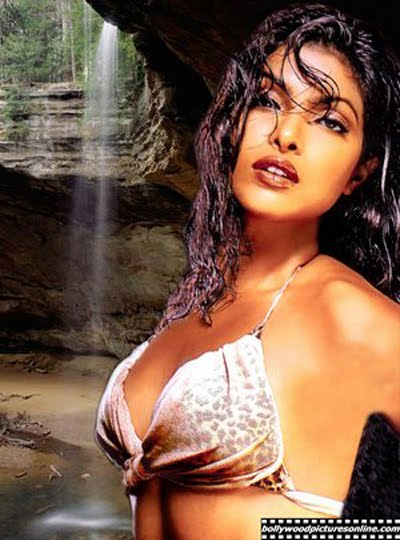 hot images of priyanka chopra in bikini. Priyanka chopra hot bikini. Priyanka chopra hot bikini. Priyanka Chopra hot