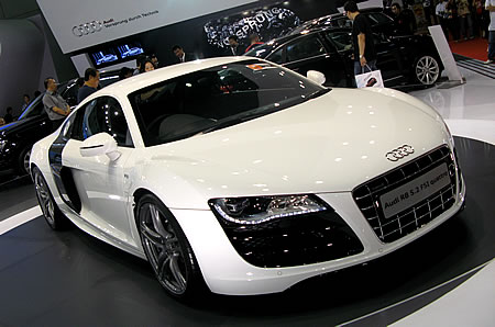 luxury cars and cool in the world audi r8 5 2 fsi quattro. Black Bedroom Furniture Sets. Home Design Ideas