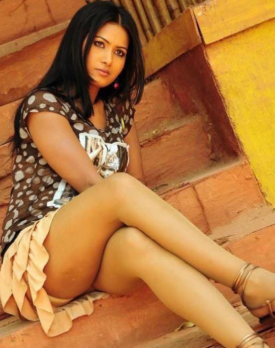 divya dwivedi hot images