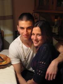 Mi hijo con su novia.....