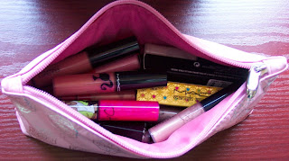 pout makeup bag closed