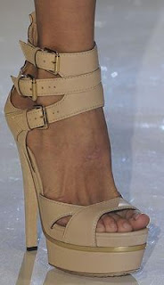 Gucci S/S 09 platform sandal