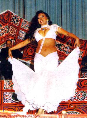 [belly+dancer]