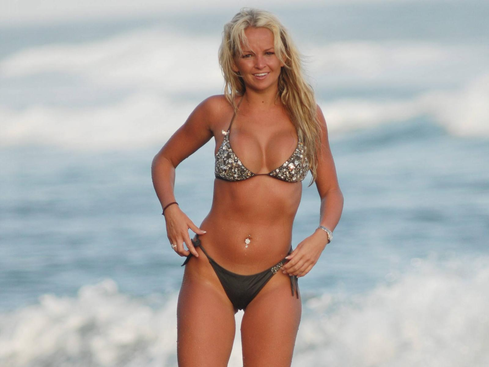 jennifer ellison in bikini