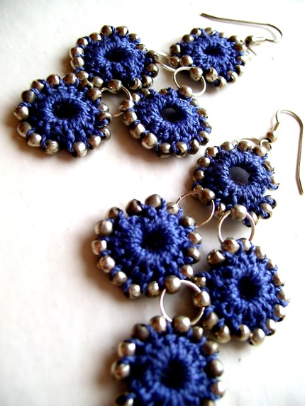 Crochet Earrings : Crochet earrings with a zipper-like feel