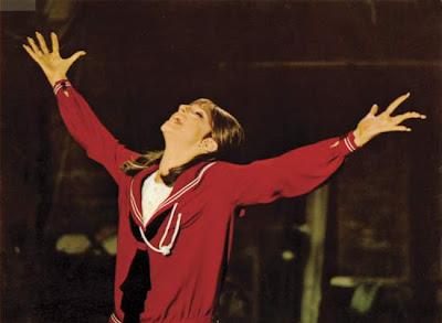 http://2.bp.blogspot.com/_bzQchKv0KQA/SUjboTxuYoI/AAAAAAAAAuI/qZA8BANEUnY/s400/Streisand.jpg