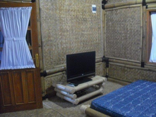 kamar rumah bambu