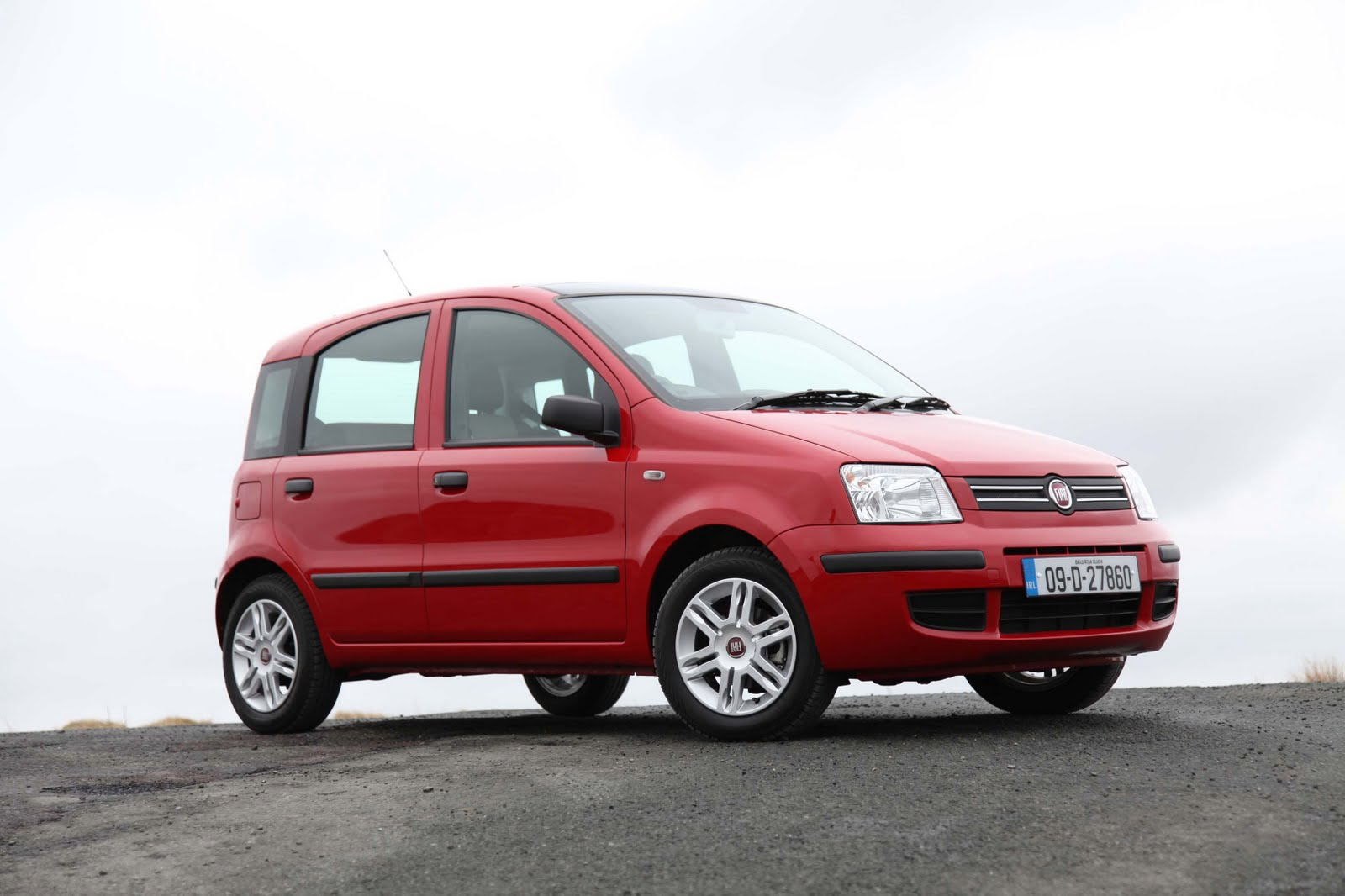 irish car travel magazine review fiat panda 1 2. Black Bedroom Furniture Sets. Home Design Ideas