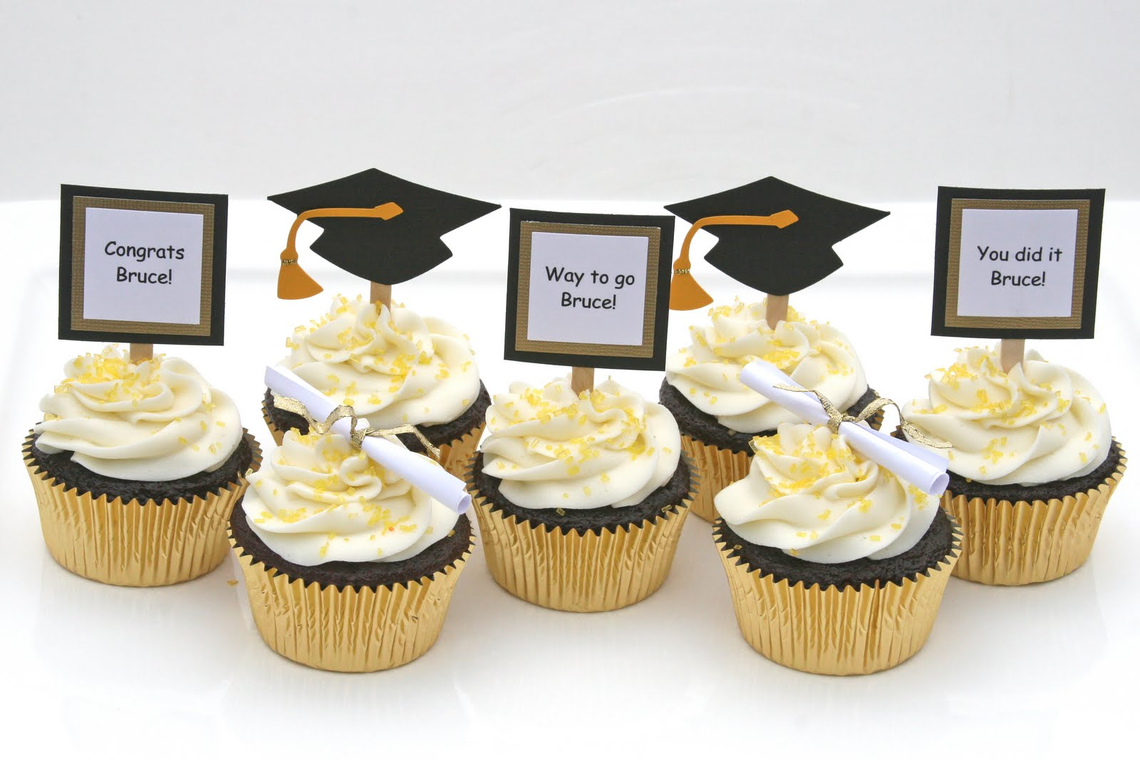 Graduation Cupcakes with Do-it-yourself Toppers   Glorious ...