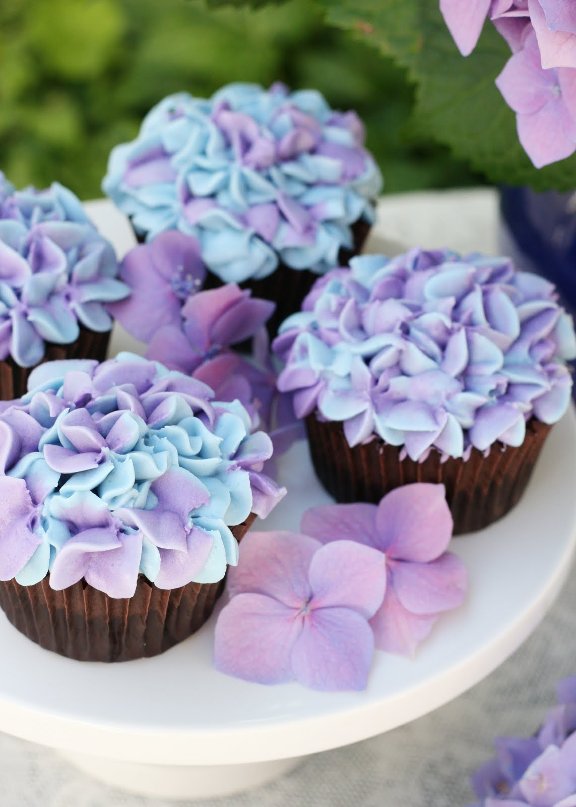 Hydrangea Cupcakes – Glorious Treats
