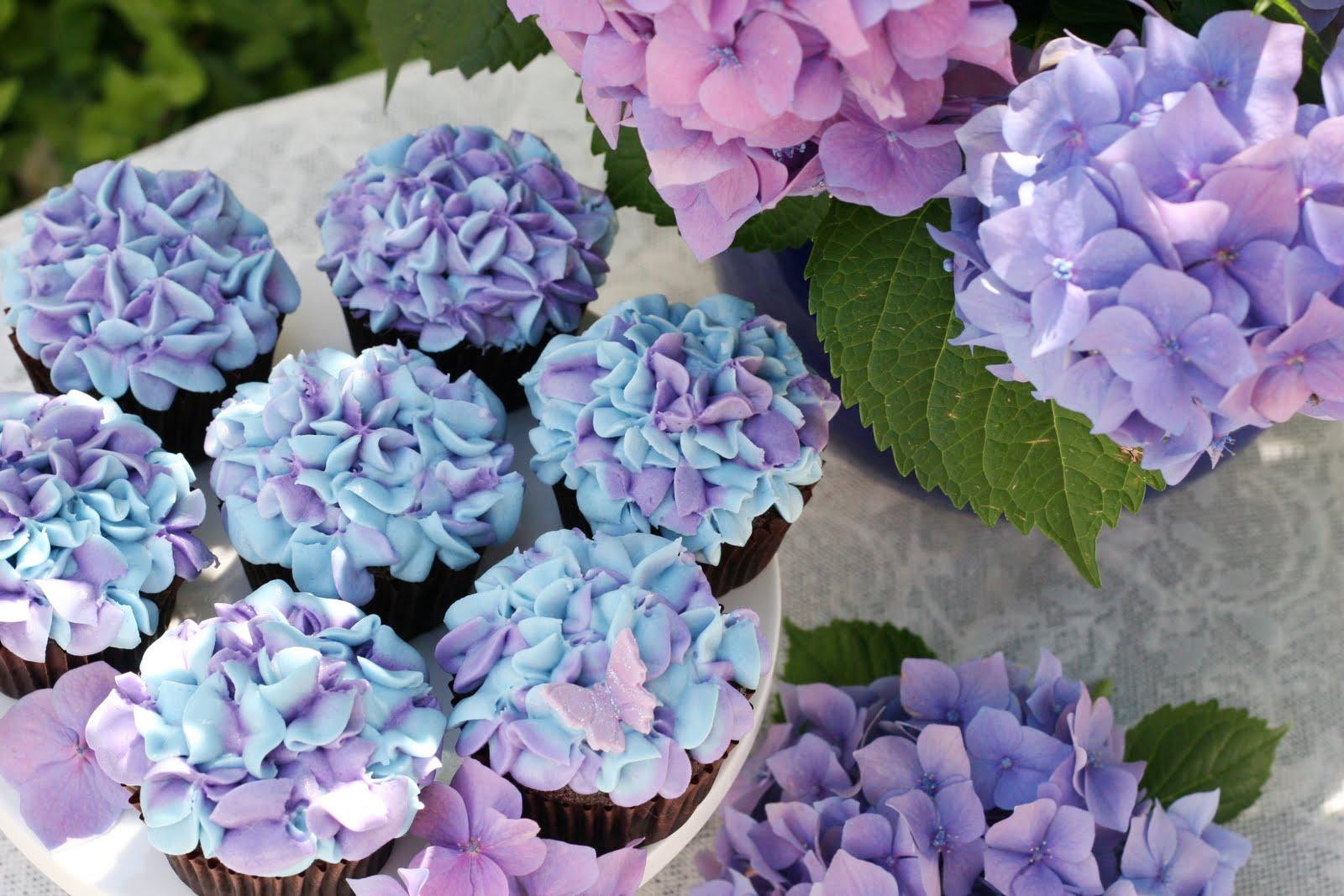 Cake Decorating Hydrangea Flowers : Hydrangea Cupcakes   Glorious Treats