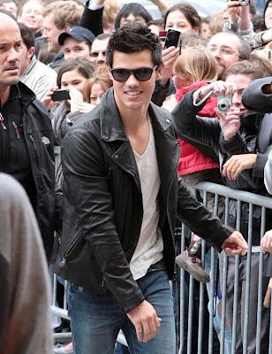 Taylor Lautner ( Twilight) Taylor_lautner_paris_twilight_eclipse.jpg