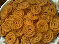[Chakli+-+Diwali+Sweets+2.jpg]