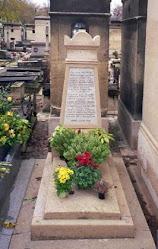 Grob s dečakom