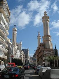 الشارع الذى تقع به الكنيسة وأمامها المسجد قبل الحادث الأليم