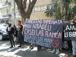Mitin en la Embajada de España por la libertad de Amadeu Casellas Ramón
