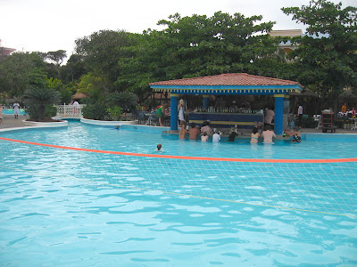 Riu Playacar Pool With Swim Up Bar