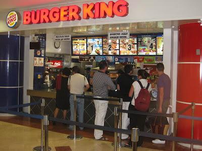 Zona de comida Burger_king_cancun_airport