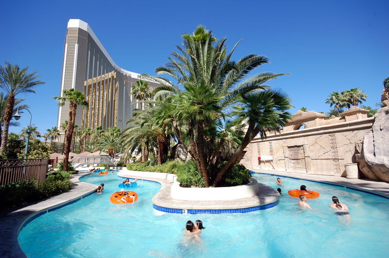 Mandalay Bay Photos Pool Pictures Lazy
