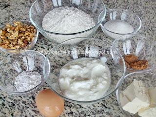 Triunghiuri dulci cu nuca ingrediente reteta