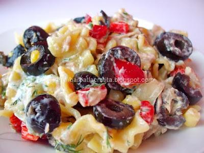 Salata de paste cu ton si tzatziki (imaginea retetei)