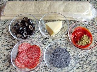 Trigoane cu masline si cascaval Ingrediente reteta