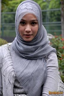 gambar model hijab zaskia adya mecca selebriti indonesia foto gambar ...