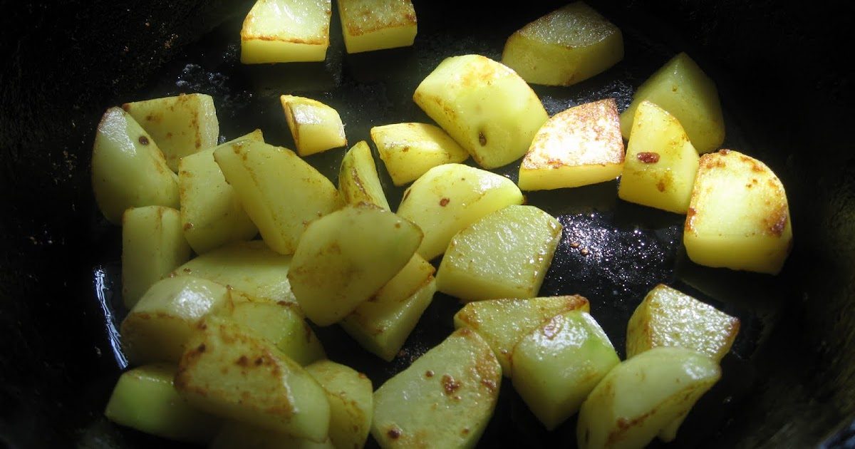 Sauce (The Food Blog): Aloo Posto (Potatoes in Poppy Seed ...