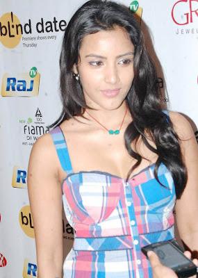 Priya Anand Stills ! Na wallpapers