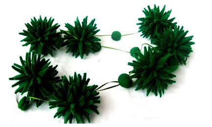ira necklace green