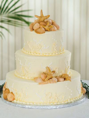 check and see if your local grocery store has GOOD wedding cakes