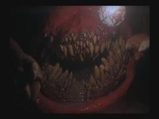 """Pelicula de unas babosas rosadas indestructibles que pasaba por 1992 en Mexico, y una pelicula de perros asesinos de un canal de televisa en una seccion llamado """"exitos de hollywood"""" TITLE01_0007"""