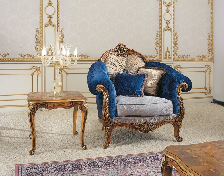 Very-luxury-furniture-from-Victorian-era-convinient-armchair-with-pillows-and-sofa-tables-for-living-room