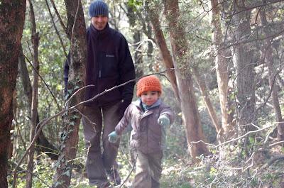 Yohann à la chasse à l'oeuf
