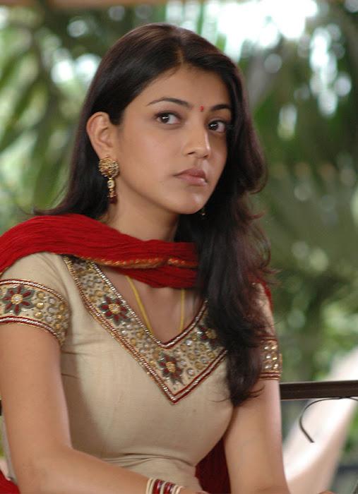kajal agarwal looking from aarya
