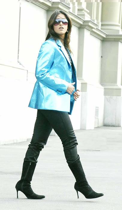 illeana posing dancig glamour  images