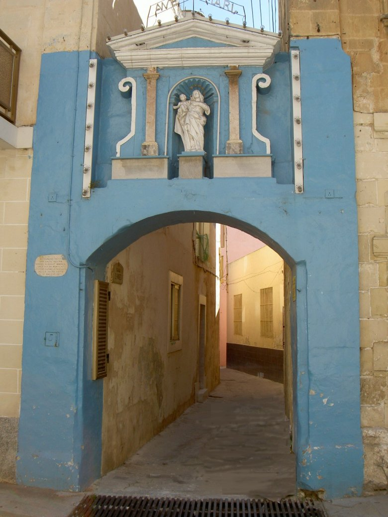 malta old alley houses - photo #6