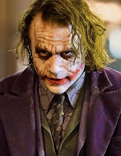 Heath Ledger no papel de Coringa