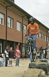 Con las bicis en el Insti